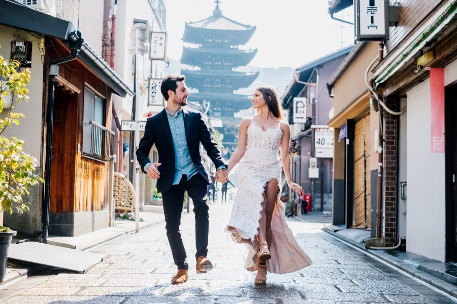 Engagement and Wedding photographer in Kyoto and Tokyo